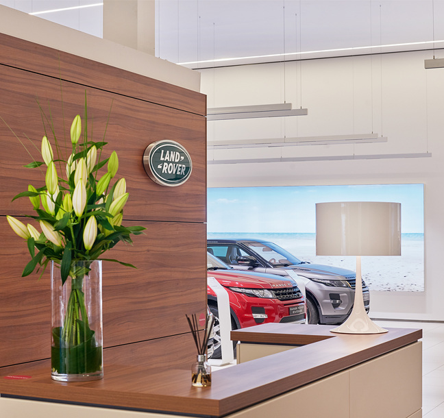 Principle implementa o novo conceito de showroom ARCH para a Jaguar Land Rover