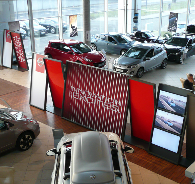 Implementation of showroom graphics for Nissan retailers in France