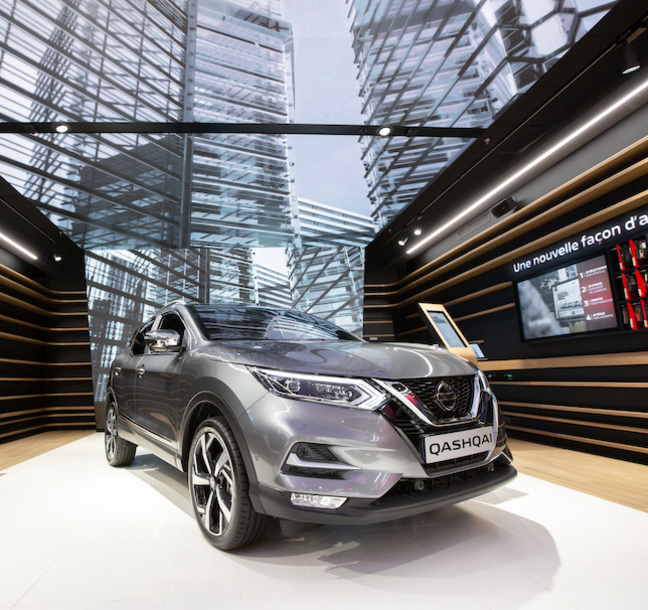 Expert implementation into Nissan's new flagship showroom within Vélizy 2.